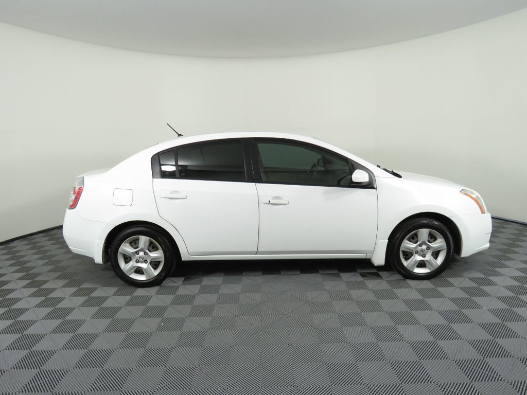 Pre-Owned 2008 Nissan Sentra 4dr Sedan I4 CVT 2.0